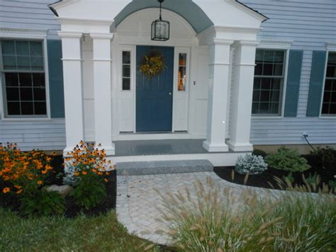 need ideas for painting front door and color for shutters