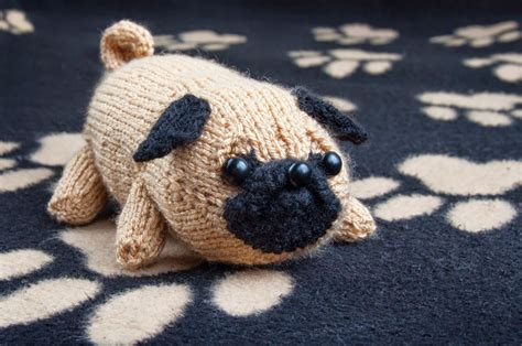 pug knitting pattern jolly the pug sincerely louise