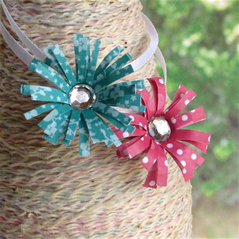 How To Make Paper Flowers For Scrapbooking - how to make flower out of scrapbook paper i