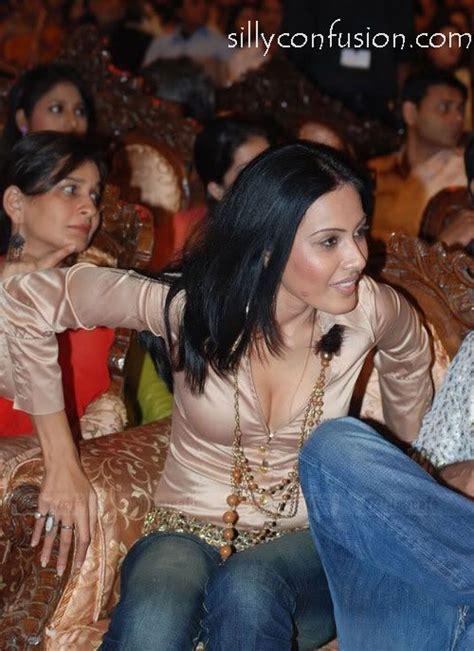 Kamya Punjabi Wardrobe Malfunction kamya punjabi pics wiki marriage affair bigg 7 contestant