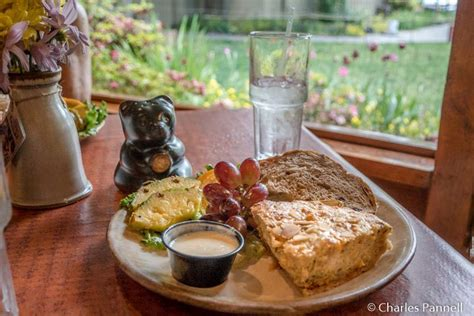 pottery house cafe eating healthy in pigeon forge