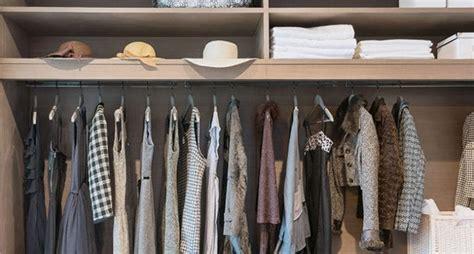vestir un armario empotrado baldas y barras para vestir un armario empotrado