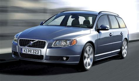 new volvo v70 all new volvo v70 takes safety to new heights