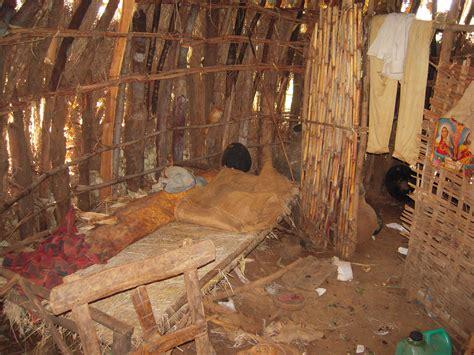 hutte africaine interieur inside hut search africa preschool