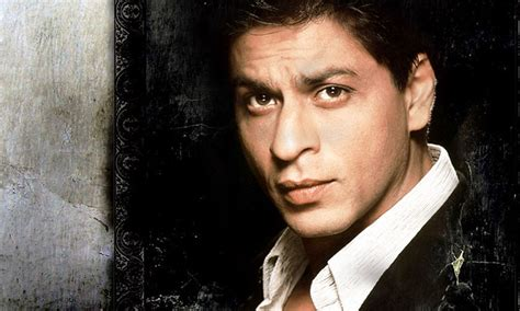 shahrukh bedroom shahrukh khan wears these weird things before going to bed