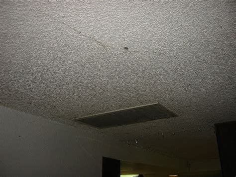 how to remove a popcorn textured ceiling