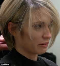 amy robach short hair amy robach gets her hair cut short in front of the cameras