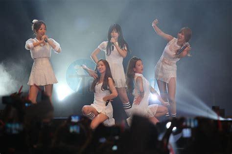 Shinzu Dress by Shinzu I White Concert Sukses Menghibur Fans A Pink