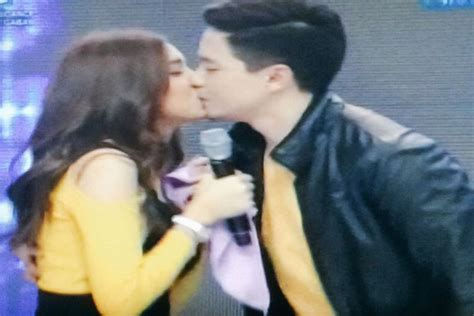 of alden and maine alden richards kisses maine mendoza on the