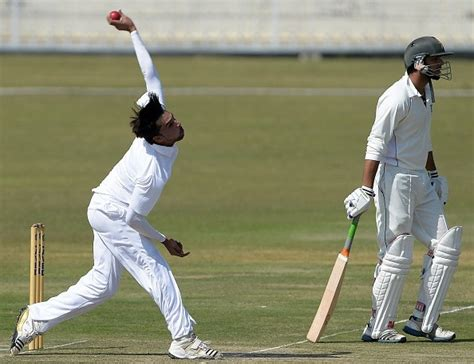 swing bowling cricket video watch mohammad amir pick five wickets with deadly