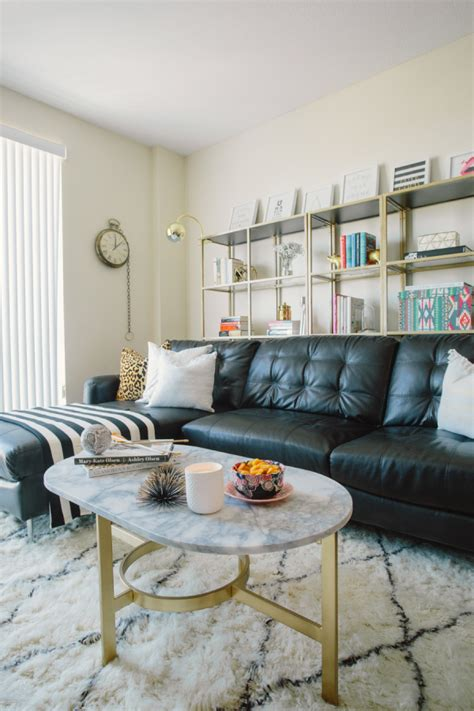 How To Decorate Living Room With Sectional Sofa How To Decorate A Living Room With A Black Leather Sofa