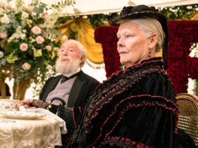 film su queen victoria front row at the movies victoria abdul