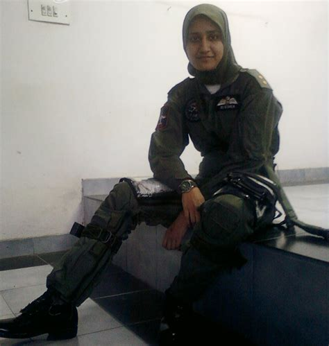 Kasur New Heaven ayesha farooq is the and south asian fighter pilot youlin magazine