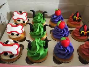 descendants cupcakes descendants party cake cake cake pinterest birthdays birthday party