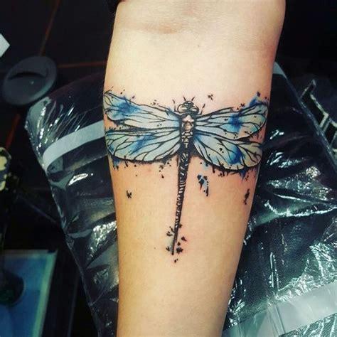 tatuajes de libelulas significados  estilos particulares