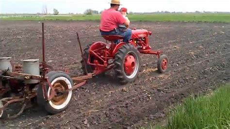 Ih Planter by International Farmall Cub Planting With Ih 249 2 Row