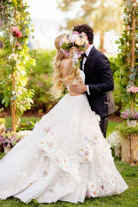 Wedding Dress Photos by 18 Ultra Gown Wedding Dresses Weddingsonline