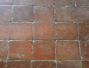 terracotta fliesen terrasse terracottafliesen oder cottoplatten fliesen und platten