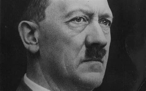 hitler en biografi d 1 hitler est bien mort en 1945 selon l examen de ses dents
