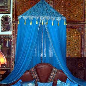 Moroccan Canopy Bed by Pretty Diy Canopy Beds Decozilla