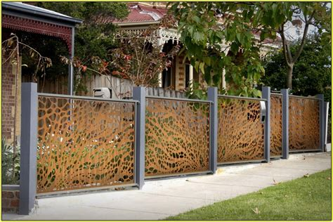 Ideas For Decorative Garden Fence List Of Decorative Fencing Ideas Homesfeed