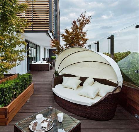 arredo balcone idee arredo balcone tante idee utilizzando piante cuscini e