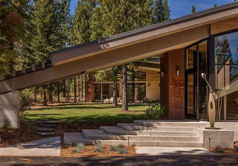 modern interpretation   mountain home flight house