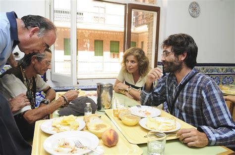comedor social madrid botella visita el comedor social y centro de d 237 a luz