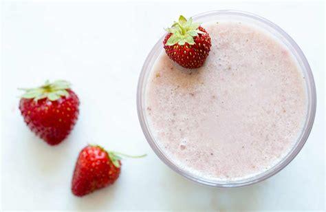 strawberry milk recipe easy delicious simplyrecipescom