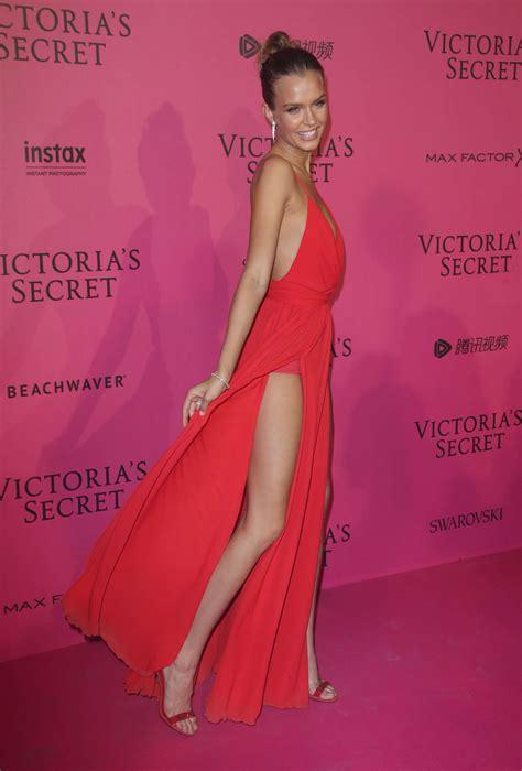 s day s secret 2016 josephine skriver victorias secret fashion show 2016