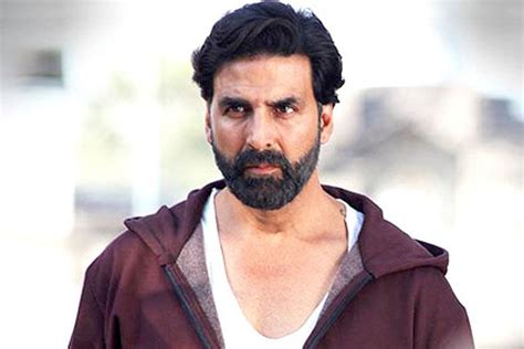 is back gabbar is back review akshay kumar as corruption