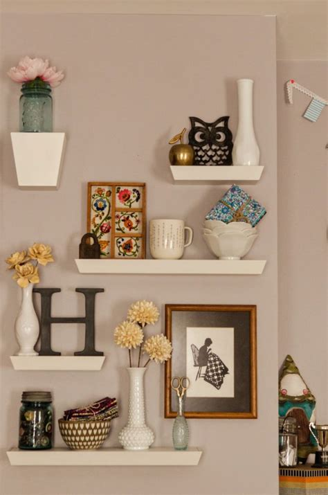 wall shelf decorating ideas 25 best ideas about floating wall shelves on pinterest