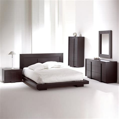 Bed And Bedroom Furniture Sets Monaco Platform Bed Bedroom Set Chocolate Bedroom Sets