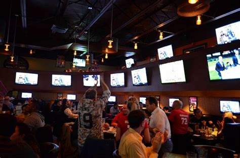 bulldog ale house with 72 options on tap roselle s bulldog ale house offers a bounty of beer