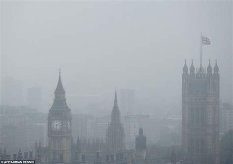 Miniatur Jam Big Ben Oleh Oleh Negara Inggris inggris juga bisa kebanjiran foto ciricara