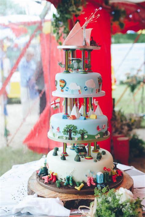 themes inc glastonbury top 2015 wedding cake trends