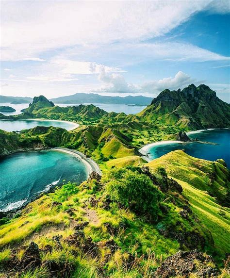 komodo national park indonesia photo  atwheretowillie