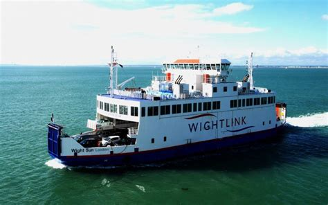 ferry to the isle of wight isle of wight day trip from - Catamaran Ferry To Isle Of Wight