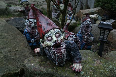 nanetti da giardino i nani da giardino in versione horror