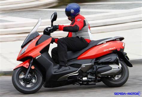 Harga Big spesifikasi dan harga big scooter kymco downtown 200i