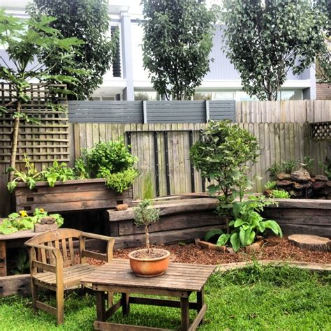 cozy small backyard landscaping house design with wooden