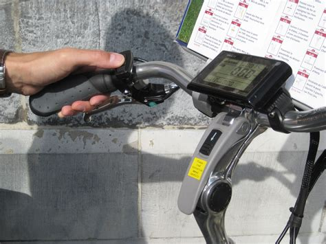 velo electrique pliant intersport le v 233 lo en image