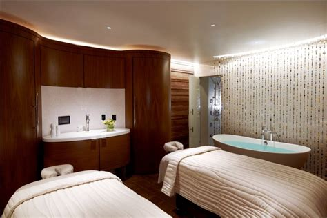 spa room essentials 4 essential ways to live large in las vegas