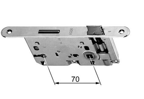 sostituire serratura porta come sostituire la serratura di una porta interna in 3 mosse