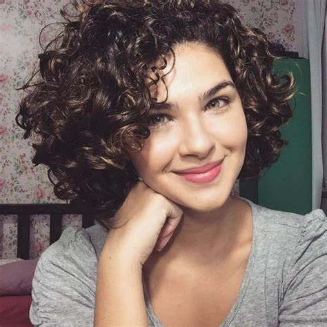 hairstyles for short curly hair pinterest short curly hairstyles 2017 25 unique short curly