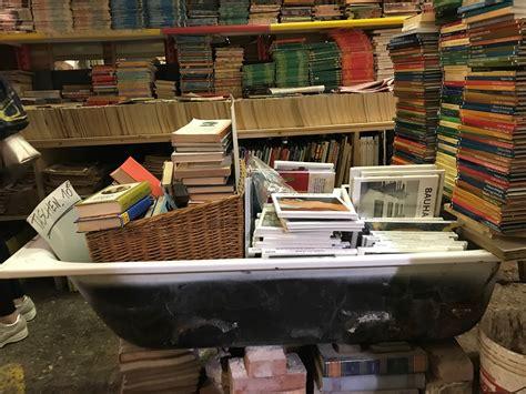 libreria acqua alta libreria acqua alta una delle meraviglie di venezia