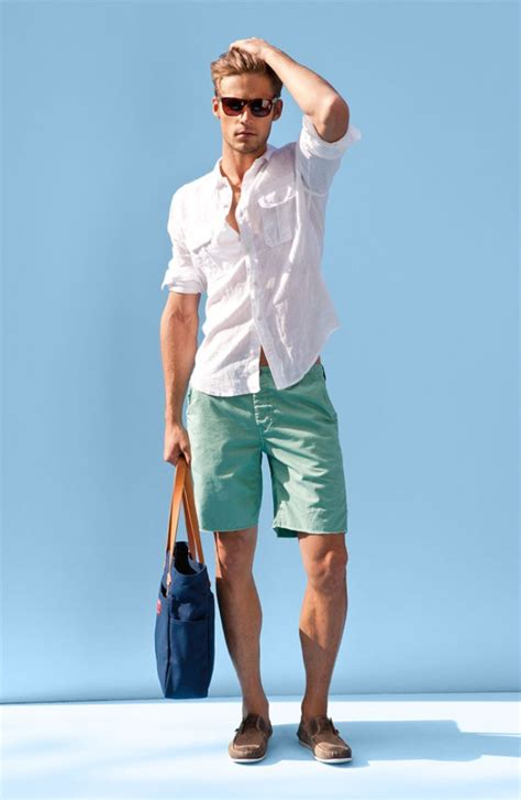 boat wear how to wear boat shoes a three point guide