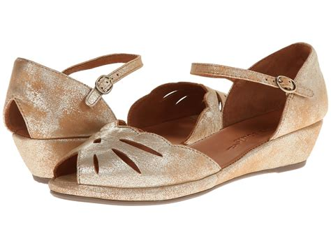comfortable wedding sandals comfortable wedding shoes are not an oxymoron