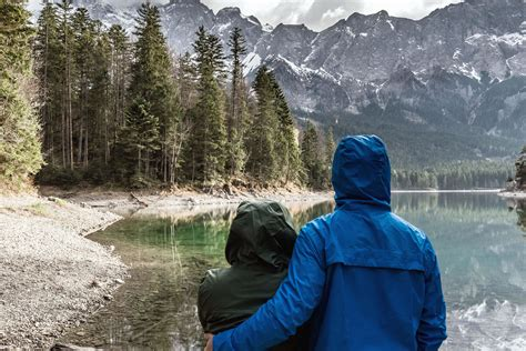 picture landscape love mountain hug man woman
