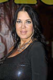 Former wwe women s champion and reality tv star chyna real name